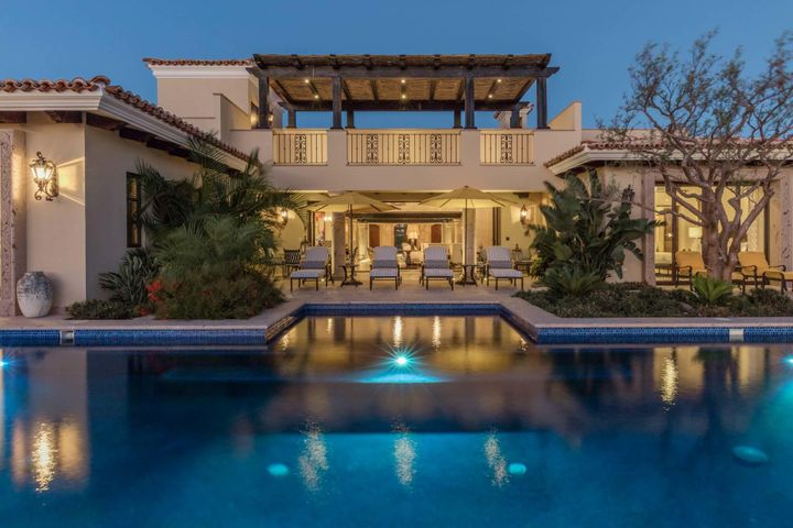 The Villas are a reflection of the great Mexican Haciendas, designed around a dramatic courtyard..