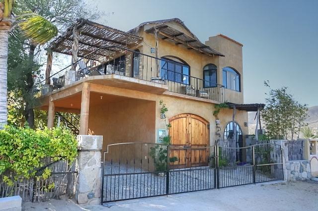 Casa de Gracia, East Cape,