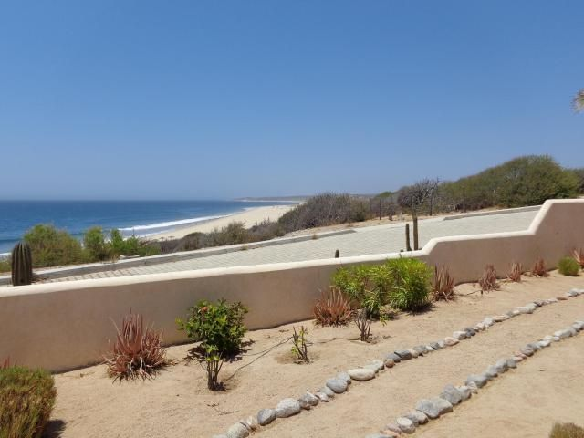 Casa Glover Salado Beach Road, East Cape,