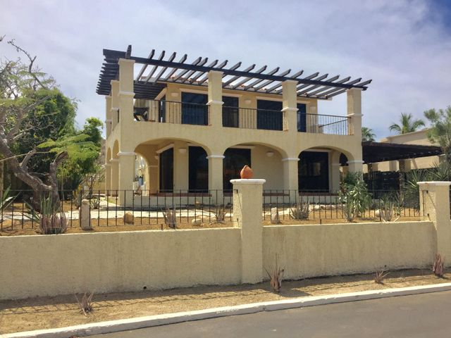 Situated within the guard gated community of La Jolla, one of the original developments of San Jose Del Cabo, well maintained and desired neighbourhood. Easy beach access, restaurants, chopping and more.This Villa is sold AS IS. Motivated Seller.