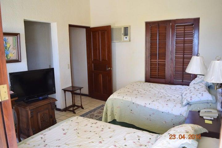 Main Bedroom 723