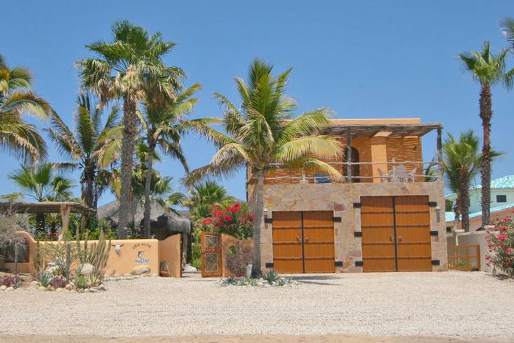 Casa Verde S/N, East Cape,  23450