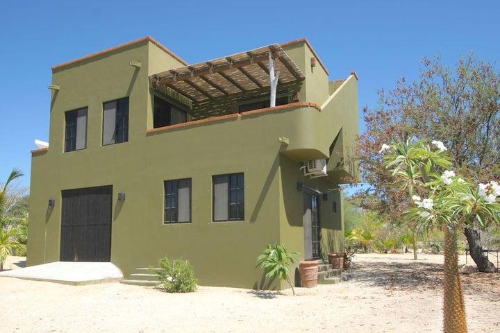 Casa Tash Palo Blanco Area, East Cape,  23450