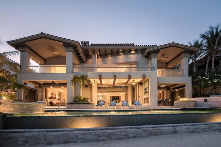 Casa Sirena Avenida el Dorado 14, San Jose Corridor,  23450