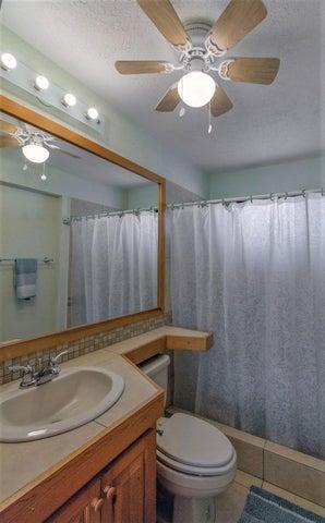 Guest Bathroom 16