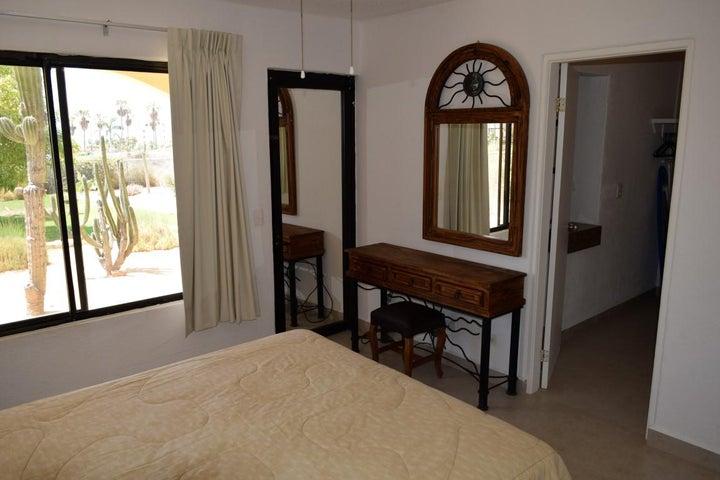main bedroom & Bathroom