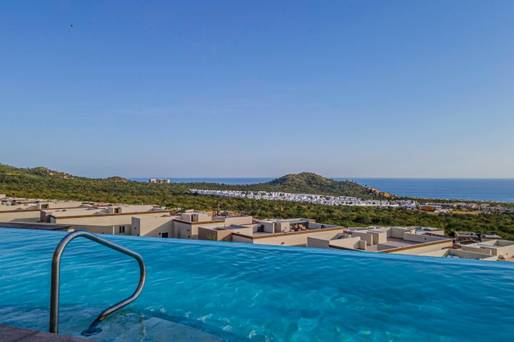 Amazing views from infinity pool