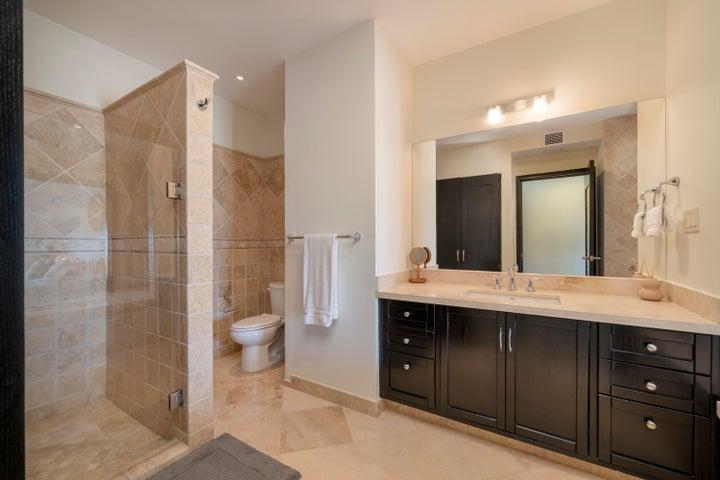 Master Bedroom Bathroom 2