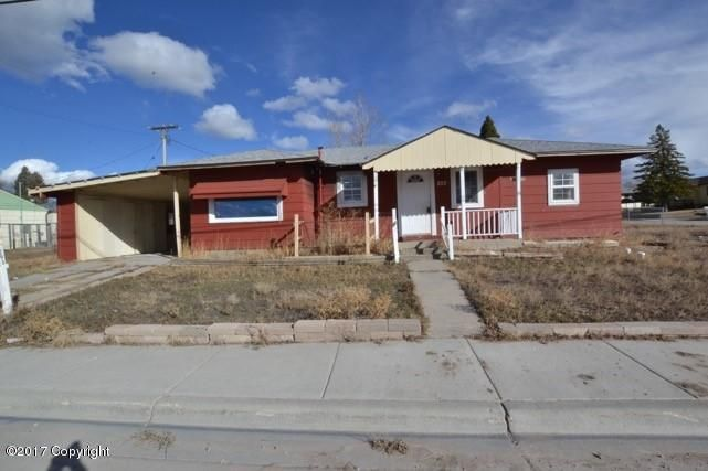 203 Stampede St -, Newcastle, WY 82701