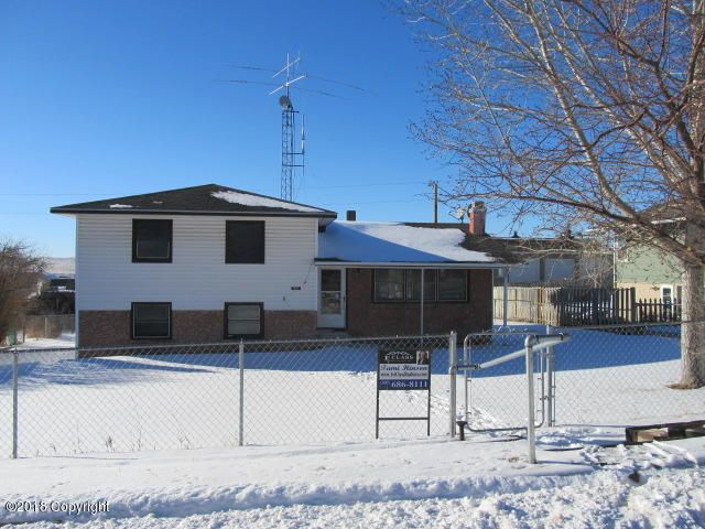 412 Sisson St North, Moorcroft, WY 82721