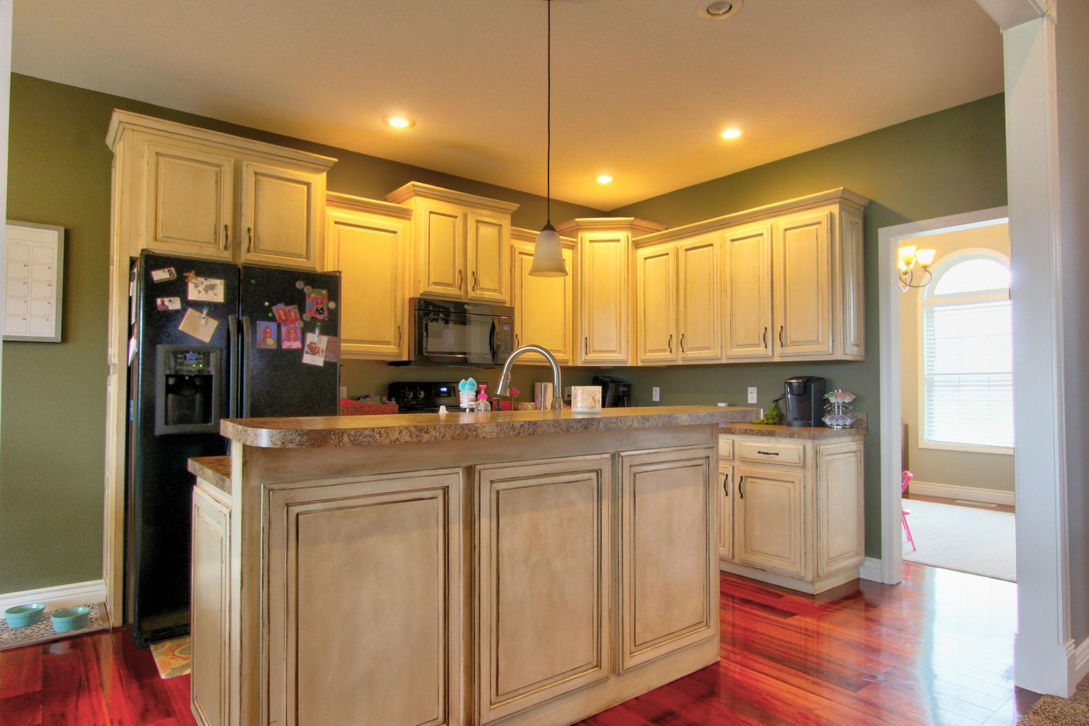 10899 BROADACRE DR., HOLTS SUMMIT, MO 65043