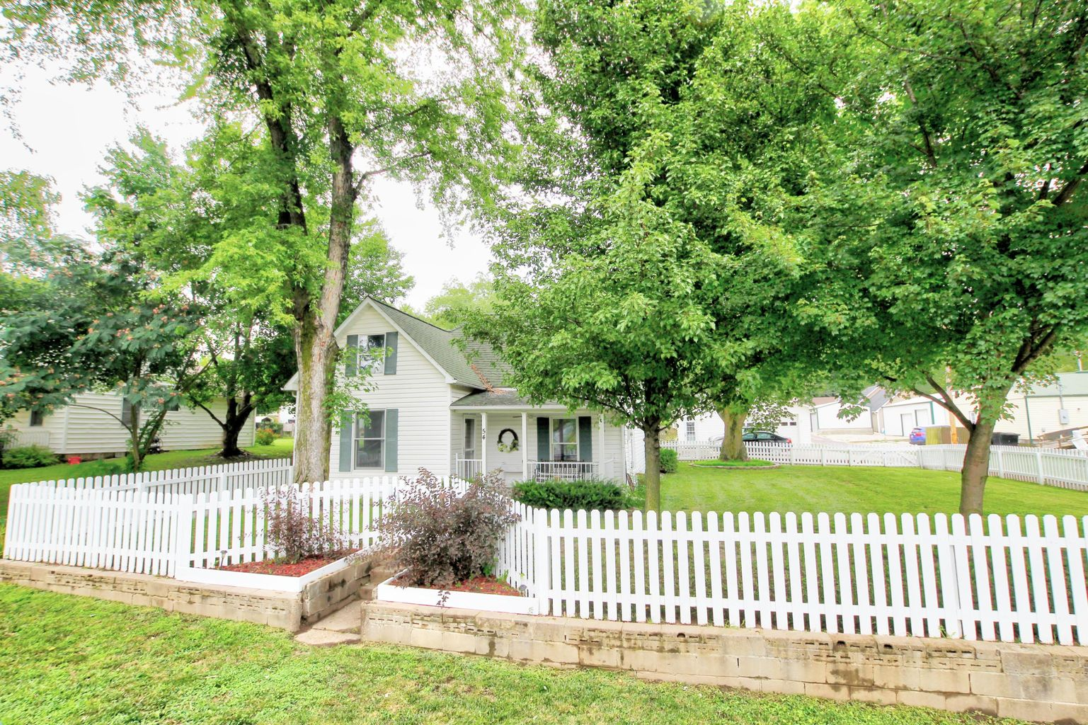 54 W N CENTER ST., HARTSBURG, MO 65039
