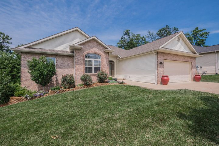 3905 SNOW LEOPARD DR, COLUMBIA, MO 65202