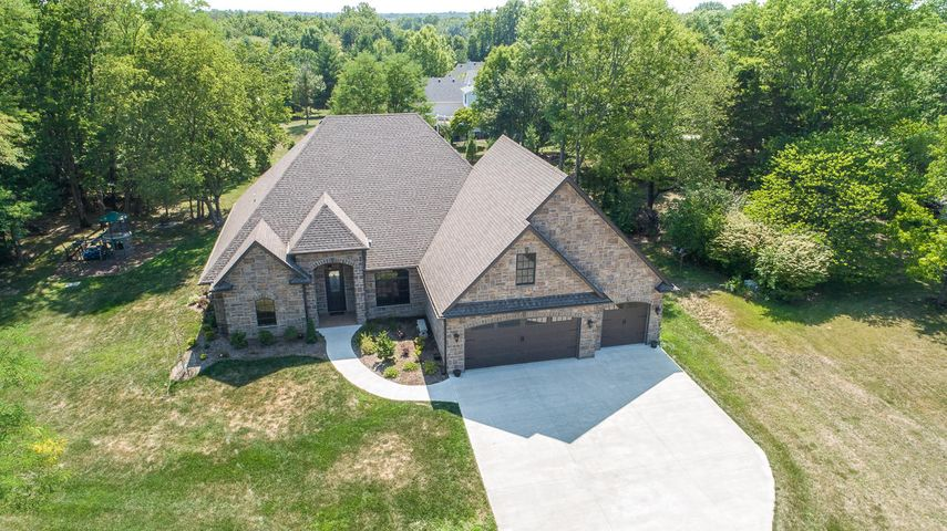 3181 COUNTRY WOODS RD, COLUMBIA, MO 65203