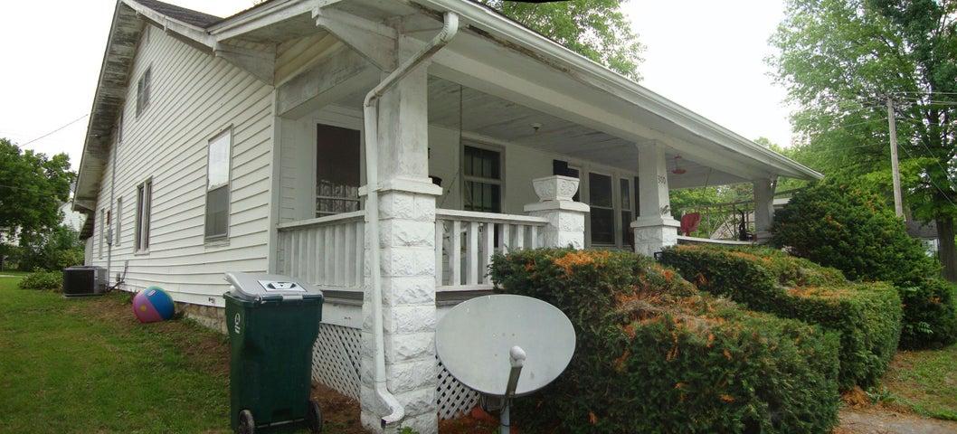 300 W MORRISON ST, FAYETTE, MO 65248