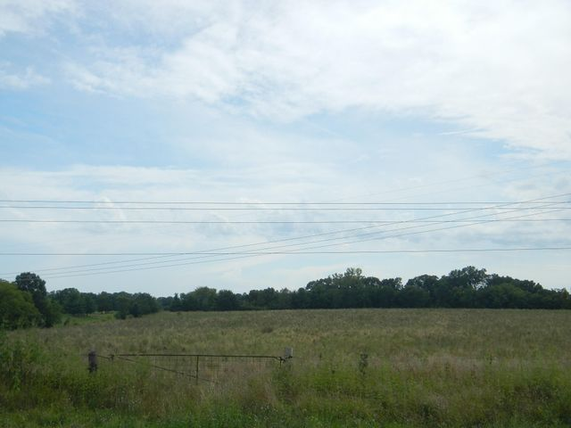 18 AC W DRIPPING SPRINGS RD, COLUMBIA, MO 65202