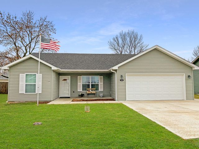 219 CAMPBELL ST, CENTRALIA, MO 65240