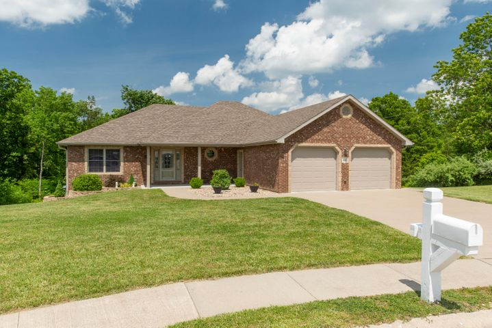 425 SPRING AVE, HOLTS SUMMIT, MO 65043