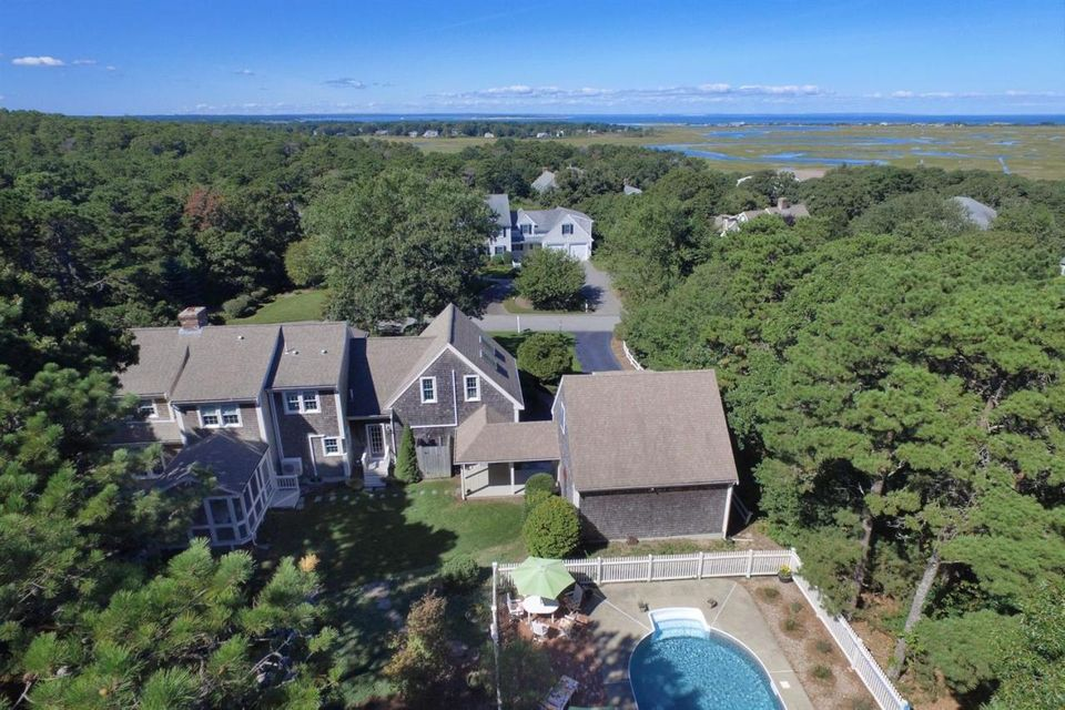 12 Chase Garden Lane Yarmouth Port Ma 02675 Sotheby S