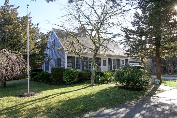 16 Seavers Road, East Orleans, MA 02643