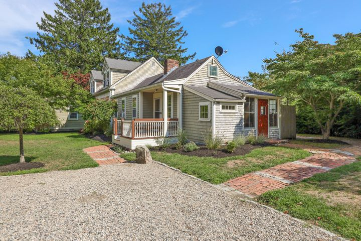 27 Parker Road, Osterville, MA 02655