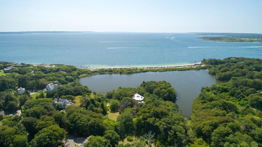 165 Nobska Road, Woods Hole, MA 02543