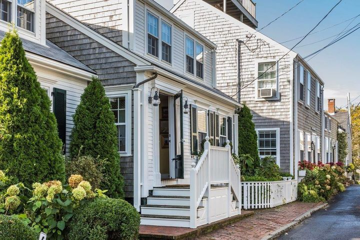 2 Farmer Street, Nantucket, MA 02554