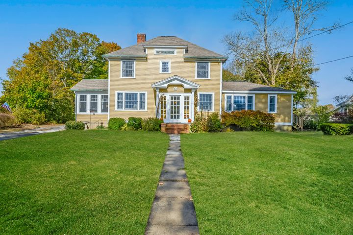 11 Everett Road, Buzzards Bay, MA 02532
