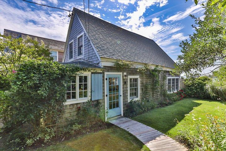 593 Commercial Street, Provincetown, MA 02657