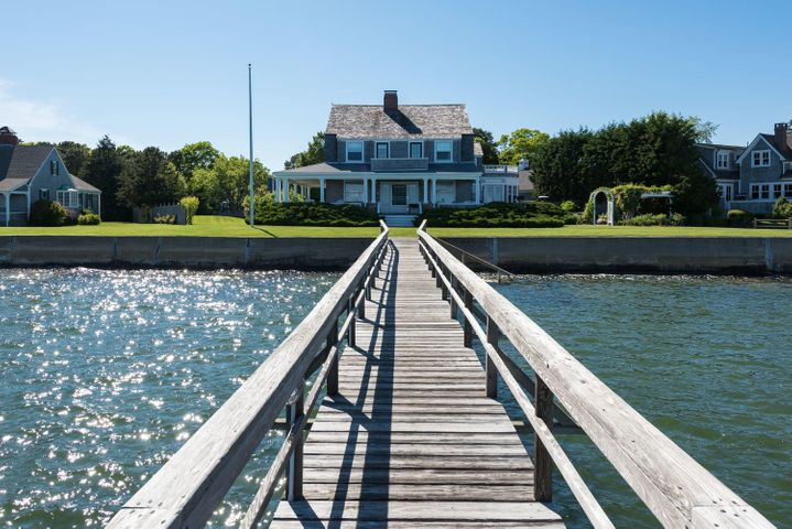 Dock to House