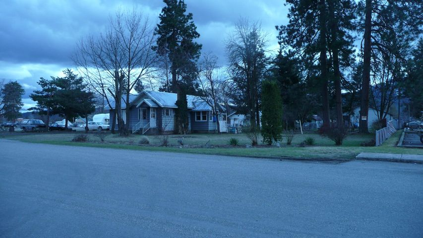 416 E 7TH AVE, Post Falls, ID 83854