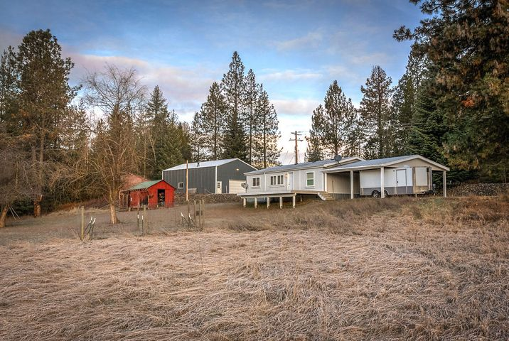 28484 E CANYON RD, Cataldo, ID 83810