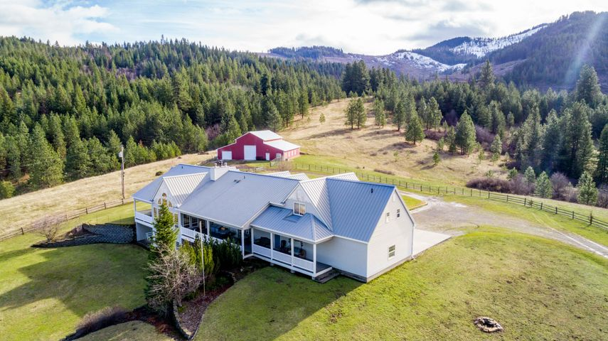 27150 S Willow Creek Rd, Medimont, ID 83842