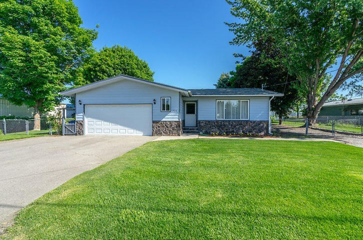 735 W ORCHARD AVE, Hayden, ID 83835