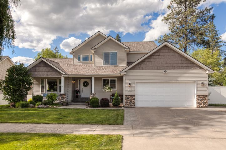 687 E ROUND UP CIR, Hayden, ID 83835