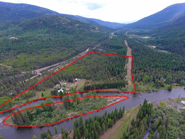 1300 Moyie River Rd, Bonners Ferry, ID 83805