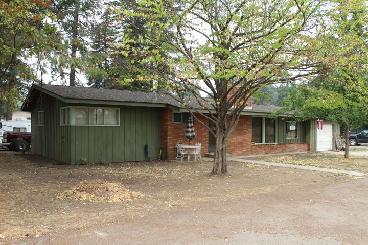 248 10th St, Priest River, ID 83856