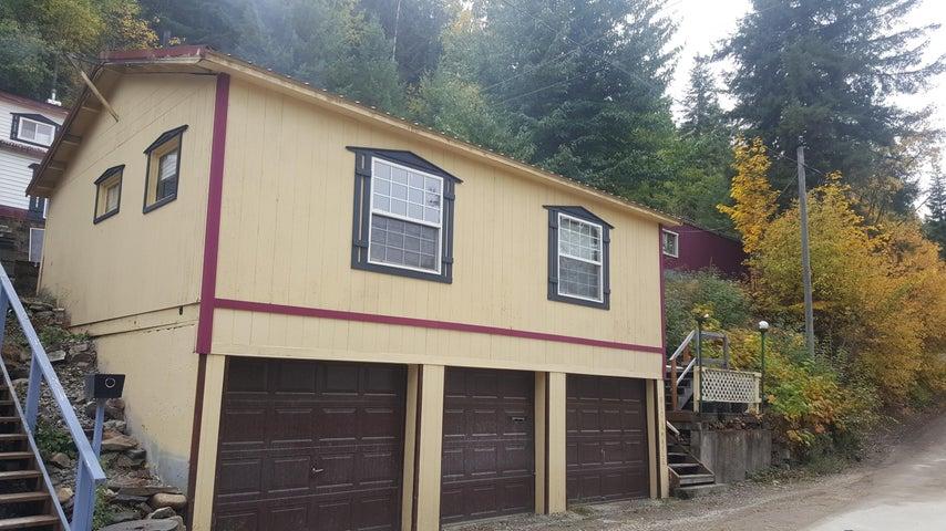 Studio over 3 bay garage