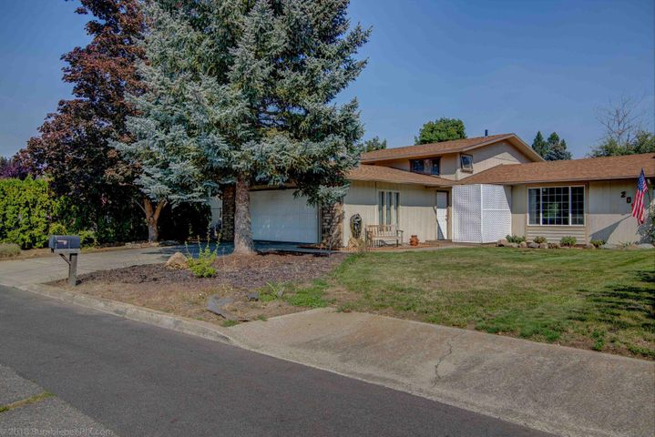 209 Sunset Dr, Post Falls, ID 83854