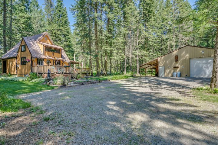 9730 N GLEN HOLLOW LN, Hauser, ID 83854