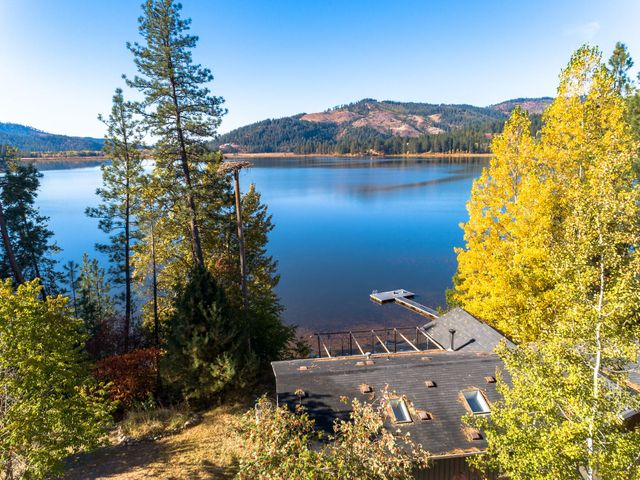 13075 S SHORE DR, Cataldo, ID 83810
