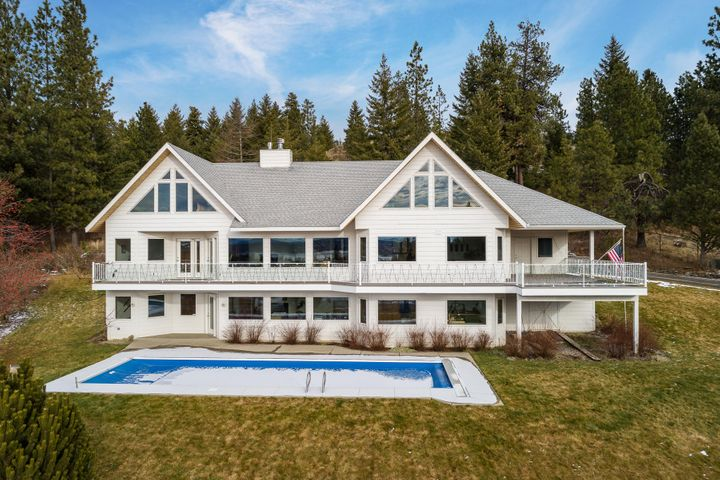 Located on 1.7 acres!