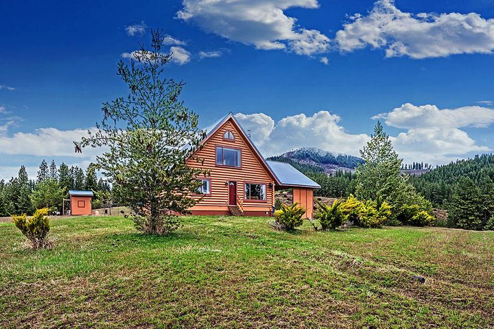 1321 Gold Hill Rd, Princeton, ID 83857