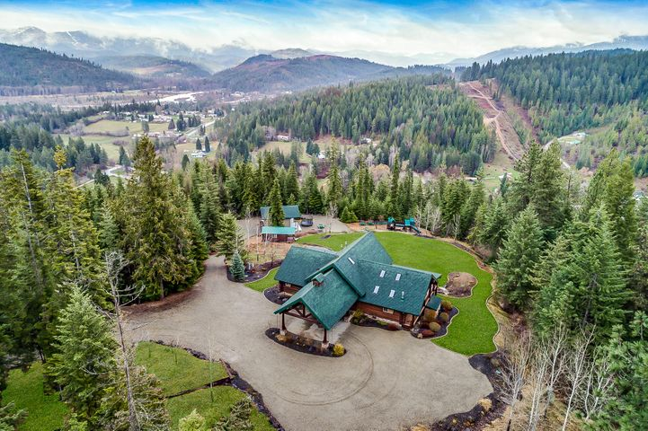 122 Makridge Ln, Kingston, ID 83839
