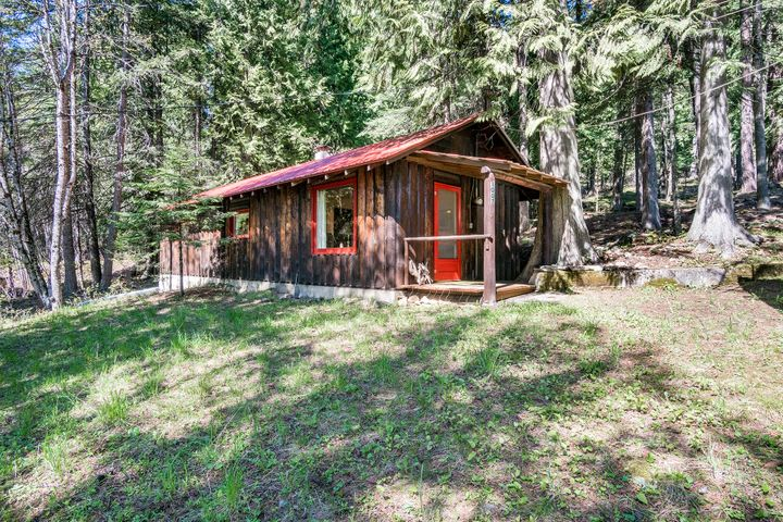 1007 Lakeview Blvd, Hope, ID 83836