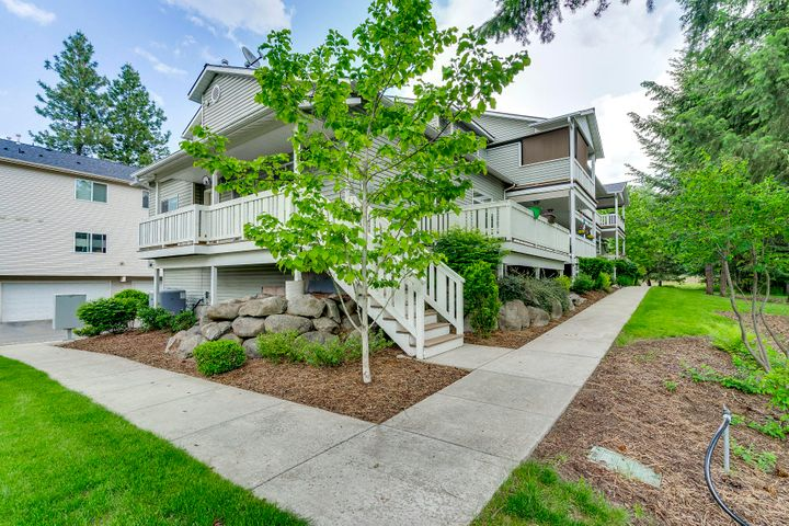 368 E WHISPERING PINES LN, #4, Coeur d