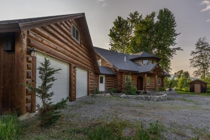 5820 Deep Creek Loop, Bonners Ferry, ID 83805