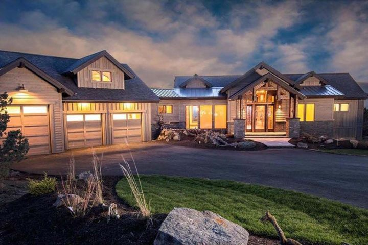 Stock photo of what could be! 3bd, 3.5ba, 2,830sf, on 1.38 acres and 256' water frontage. Can be customized by this award winning builder.