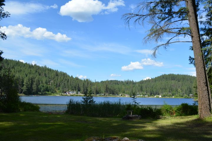 619 S Beaver Lake Rd, Athol, ID 83801