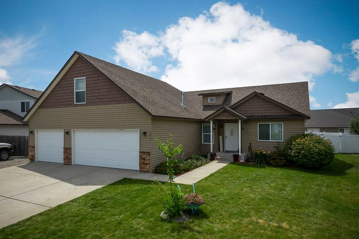 3817 N Slazenger Lane, Post Falls, ID 83854